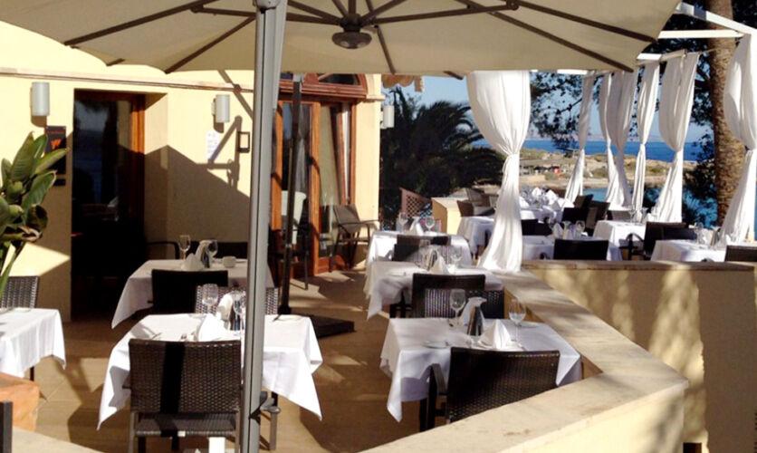 Restaurant, Bar & Beach Bar