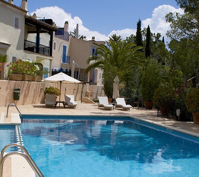 pool2-978x585